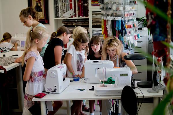 Ferien alles außer Langeweile bekommt Ihr in den Feriennähkursen bei PS|Fritz Modedesign in Reutlingen