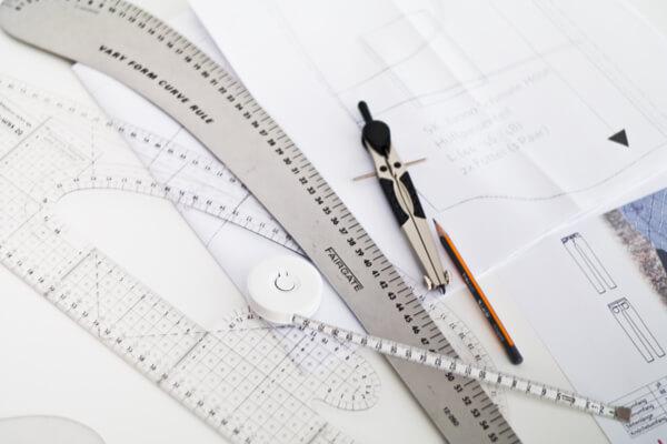 Schnittkonstruktion für Modestudenten - Fachinterresierte, Firmen und Interresierte, Entdecken Sie die Schnittdirektrice in sich.